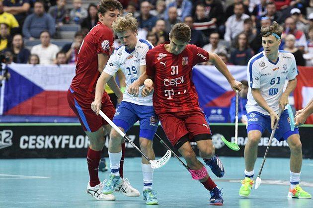 Zleva Joonas Pylsy z Finska a český reprezentant Josef Rýpar