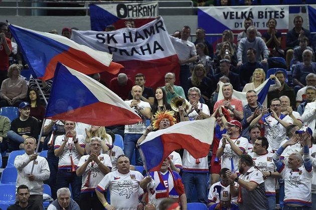 Čeští fanoušci v Bratislavě během daviscupového duelu se Slovenskem.