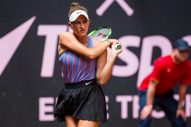 Markéta Vondroušová v Prostějově v utkání proti Petře Kvitové.