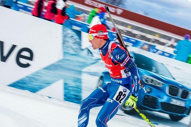 Michal Krčmář byl nejlepším z českých biatlonistů, ve sprintu bral 13. místo.