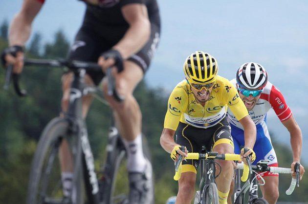 Julian Alaphilippe z Francie v závěru šesté etapy marně bojoval o udržení žlutého trikotu.