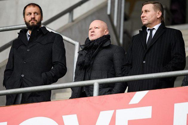 """Sparťanské legendy Vratislav Lokvenc, Ivan Hašek a Horst Siegl během derby """"S""""."""