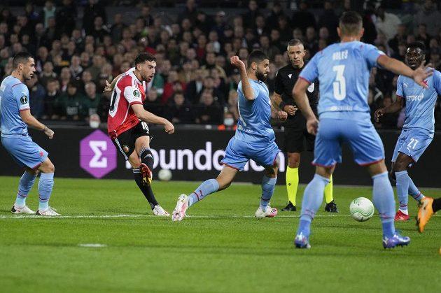 Orkun Kokcu dává první branku Feyenoordu