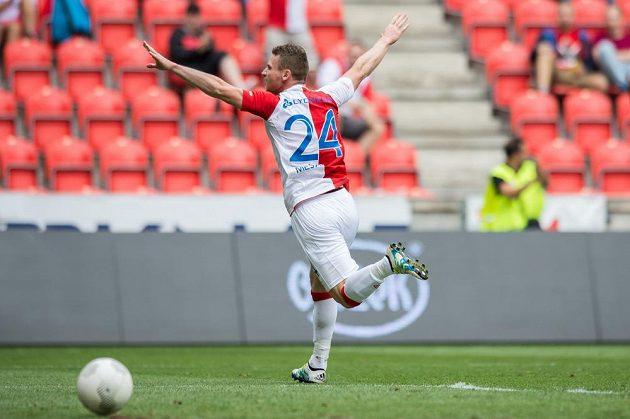 Slávista Muris Mešanovič oslavuje vedoucí gól proti Příbrami.