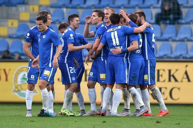 Fotbalisté Liberce se radují z gólu proti Příbrami