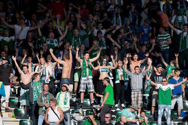 Fanoušci Jablonce během utkání se Spartou.