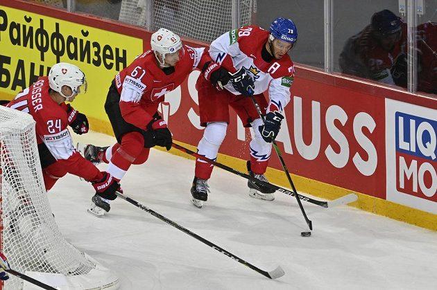 Tomáš Zohorna v souboji se švýcarskou přesilou.