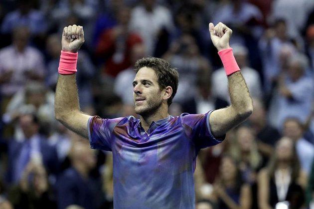 Radost argentinského tenisty po vítězném čtvrtfinále.