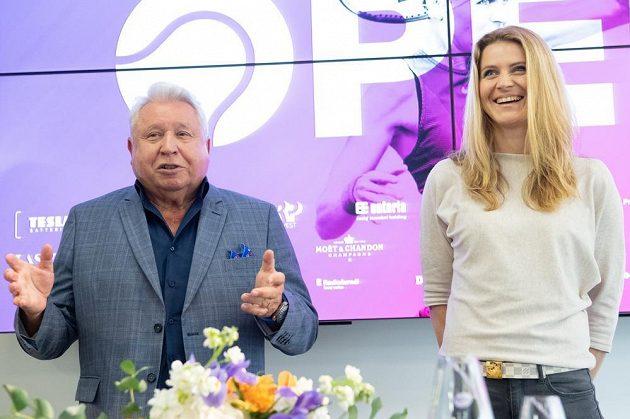 Miroslav Černošek a tenistka Lucie Šafářová během tiskové konference k letošnímu ročníku tenisového turnaje Prague Open 2019.