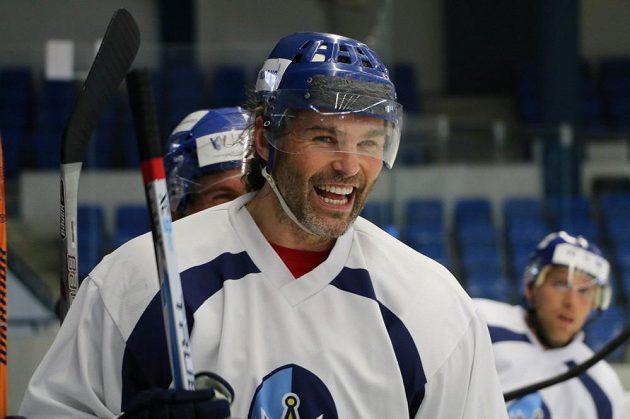 Hokejista Jaromír Jágr trénoval na kladenském ledě.