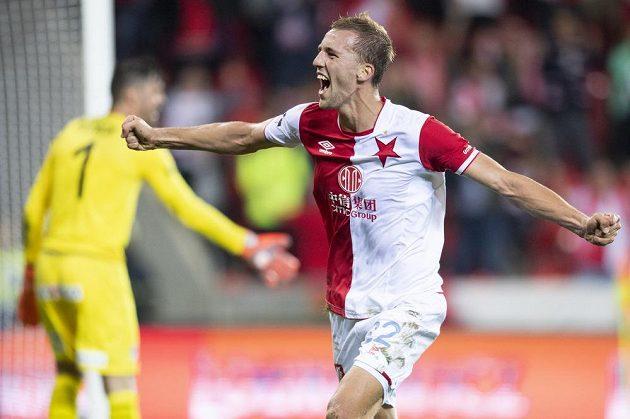 Tomáš Souček ze Slavie oslavuje svůj druhý gól proti Plzni.