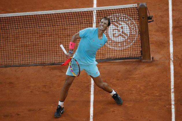 Rafael Nadal slaví postup do finále French Open