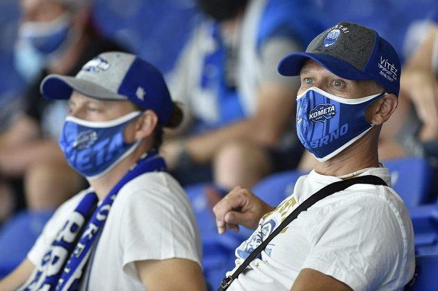 Fanoušci Komety Brno během utkání letního poháru.