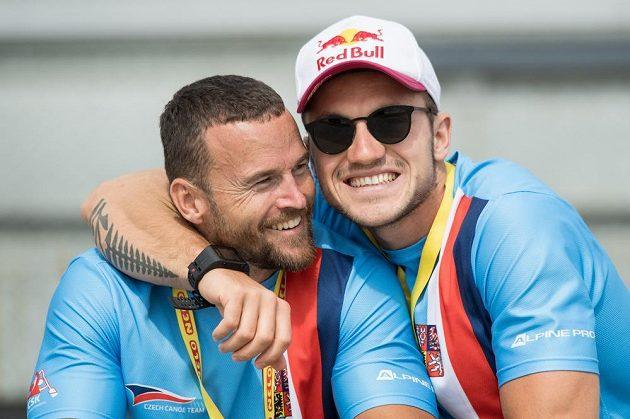 Kanoisté Filip Šváb (vlevo) a Martin Fuksa během Mistrovství světa v rychlostní kanoistice v Račicích.