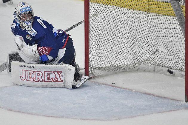 Brankář Brna Marek Čiliak inkasuje třetí gól.