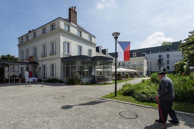 Zámecký hotel Clarion Chateau Belmont ve francouzském městě Tours, kde budou ubytováni během mistrovství Evropy čeští fotbalisté.