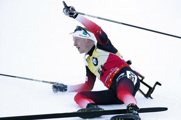 Johannes Thingnes Boe po triumfu ve sprintu v Ruhpoldingu.