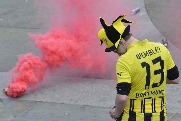 V Londýně došlo před finále Ligy mistrů vedle zábavy také na násilí.