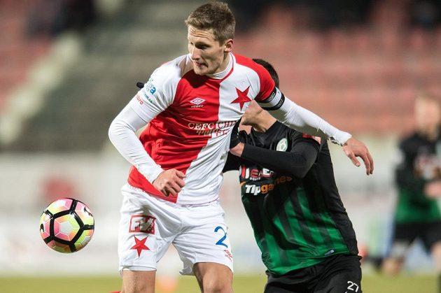 Milan Škoda ze Slavie Praha a příbramský obránce Matěj Chaluš.