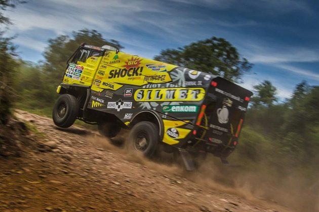 Martin Macík s kamiónem Liaz na trati 4. etapy Rallye Dakar.