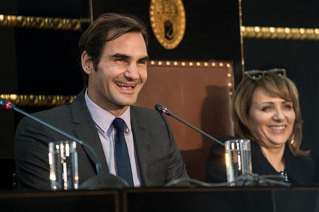 Tenista Roger Federer během tiskové konference na Staroměstské radnici v Praze.