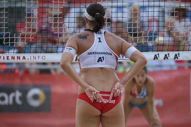 Barbora Hermannová během zápasu na mistrovství světa.