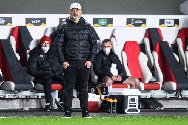 Trenér Slavie Praha Jindřich Trpišovský během odvety s Arsenalem v Praze.