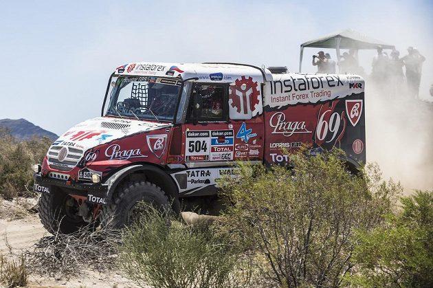 Aleš Loprais se speciálem nazvaným Královna 69 na trati Rallye Dakar.