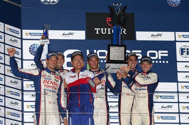 Vítězný tým Toyoty.