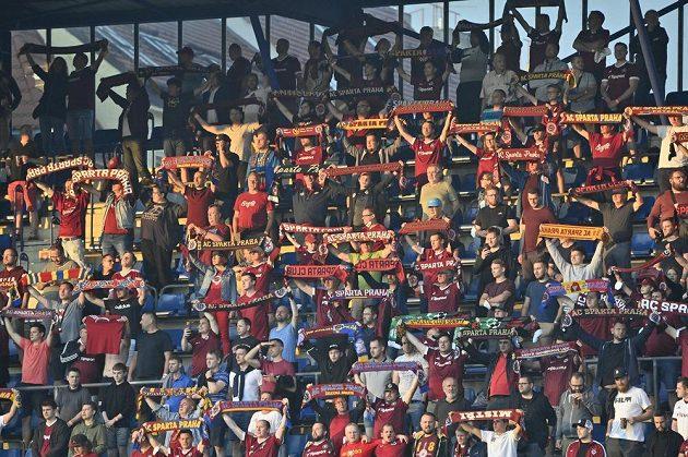 Fanoušci Sparty hnali letenský tým do útoku v odvetném utkání 2. předkola fotbalové Ligy mistrů s Rapidem Vídeň.