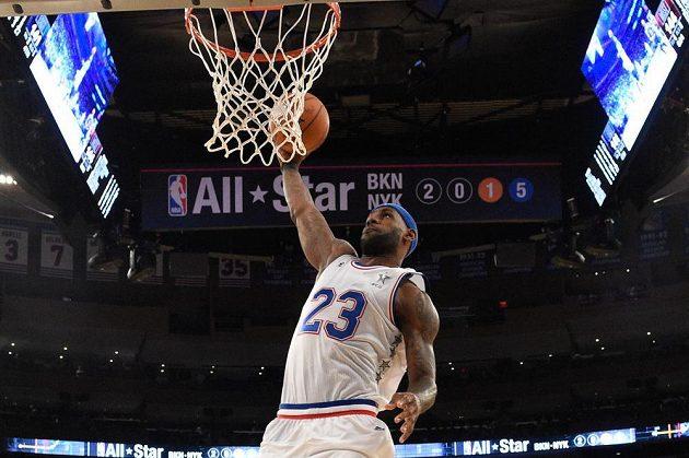 Clevelandský LeBron James v dresu Východu.