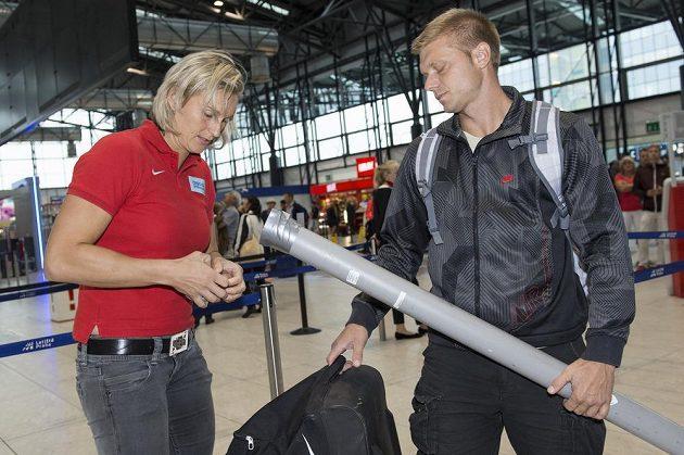 Barbora Špotáková na letišti Václava Havla před odletem na atletické mistrovství světa do Pekingu.