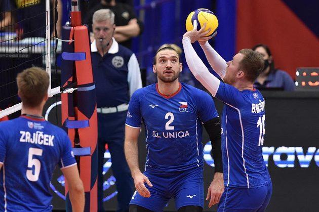 Zleva Adam Zajíček, Jan Hadrava a Luboš Bartůněk při utkání s Francií.