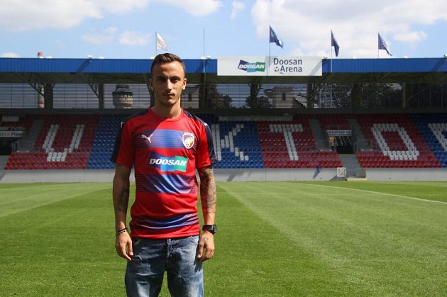 Albánský reprezentant Ergys Kace v plzeňském dresu.