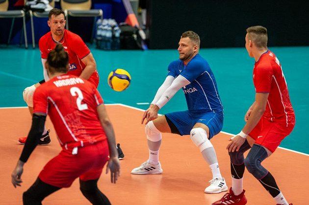 Libero Milan Moník (uprostřed) v akci.