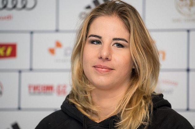 Snowboardistka Ester Ledecká během čtvrteční tiskové konference.