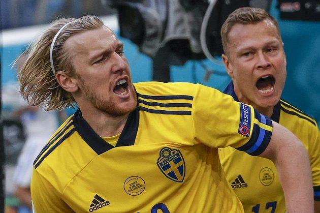 Švédský útočník Emil Forsberg se raduje z vedoucího gólu proti Slovensku.
