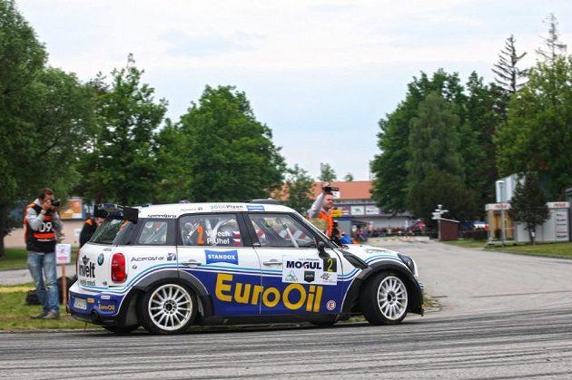 Václav Pech se strojem Mini Cooper S2000 při Rallye Český Krumlov, kde obsadil druhé místo.