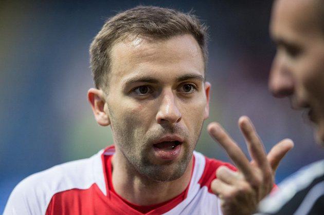 Záložník Slavie Praha Josef Hušbauer.