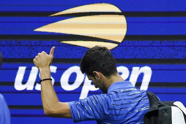Smutné loučení. Tenista Novak Djokovič neobhájí titul na grandslamovém US Open, v osmifinále vzdal za stavu 4:6, 5:7 a 1:2 ve třetím setu zápas se Švýcarem Wawrinkou.