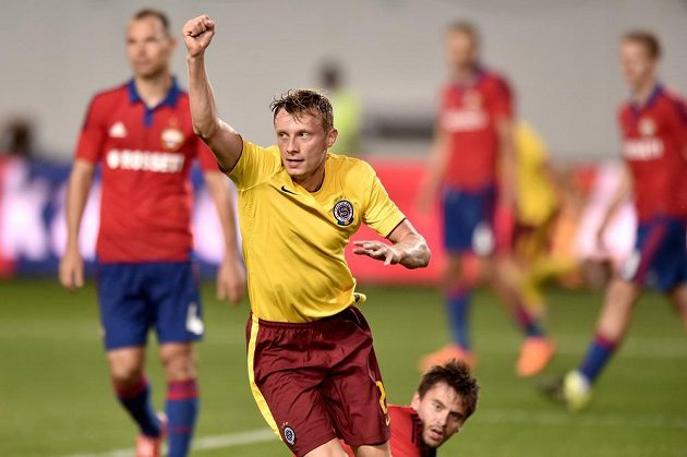 Sparťanský záložník Ladislav Krejčí slaví vyrovnávací gól na hřišti CSKA Moskva.