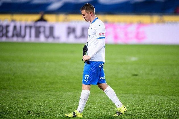 Vyloučený Filip Kaloč z Baníku Ostrava během utkání osmifinále MOL Cupu na Spartě.