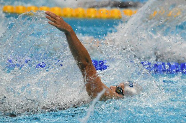 Simona Baumrtová na 100 m znak.