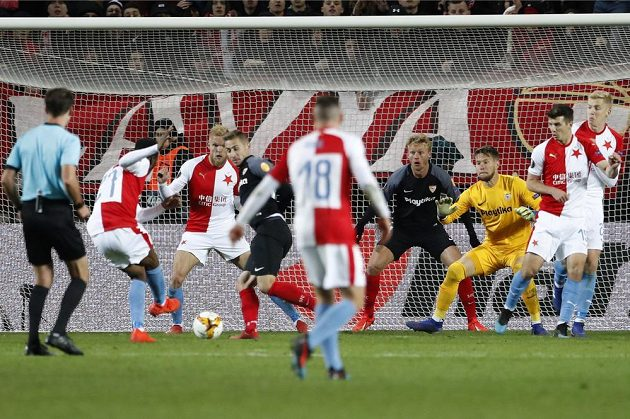 Slavia šokovala Sevillu a slaví postup do čtvrtfinále