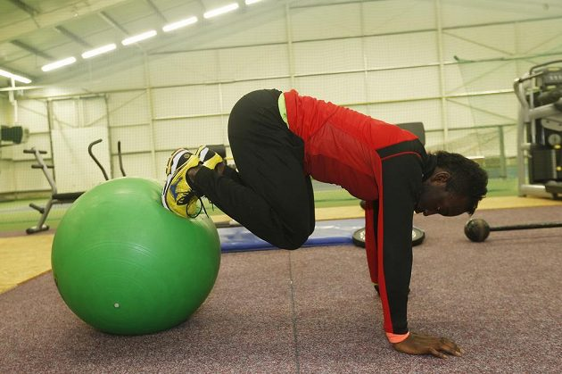 Posilování jádra neberou sprinteři na lehkou váhu.