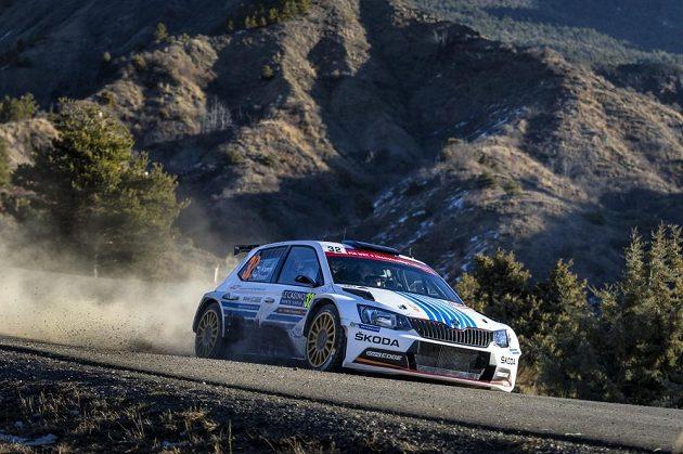 Jan Kopecký se Škodou Fabia R5 na trati Rallye Monte Carlo, kde vybojoval druhé místo v kategorii WRC2.