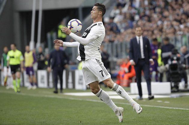 Největší hvězda Juventusu - Cristiano Ronaldo. Známý Portugalec může slavit mistrovský titul v Itálii.