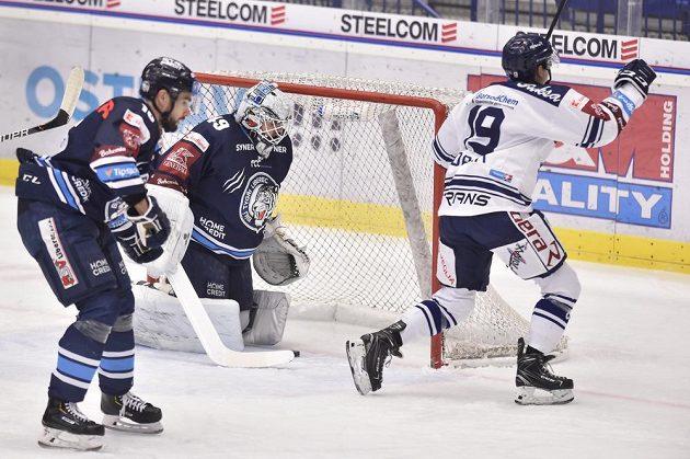 Vítkovický Miroslav Indrák se raduje ze vstřeleného gólu v duelu s Libercem.