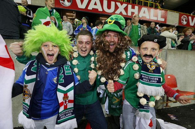 Fanoušci Severního Irska slaví postup na ME.