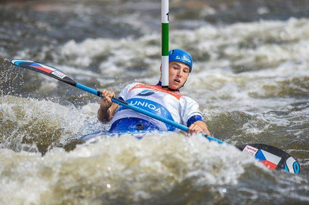 Kajakář Jiří Prskavec ve finále K1 muži během Světového poháru ve vodním slalomu na kanále v pražské Tróji.